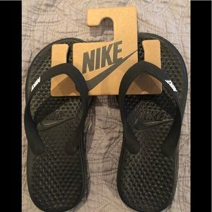 83798897f Nike Shoes - New Nike Solay Grade School Kids Sandals sz 11